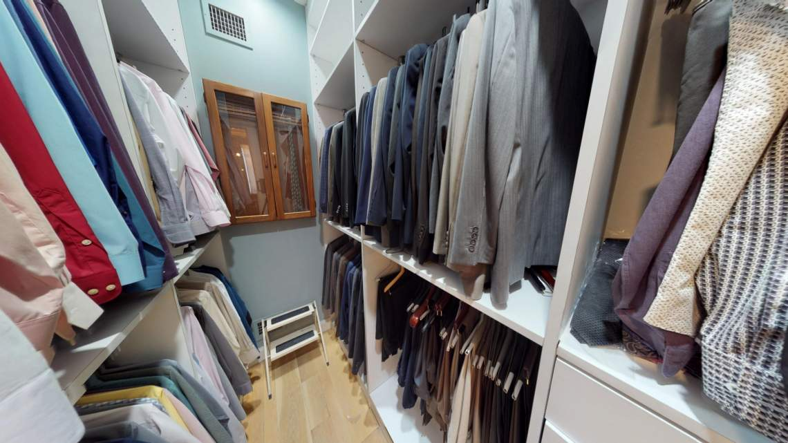 75 Devon Walk in Closet 2